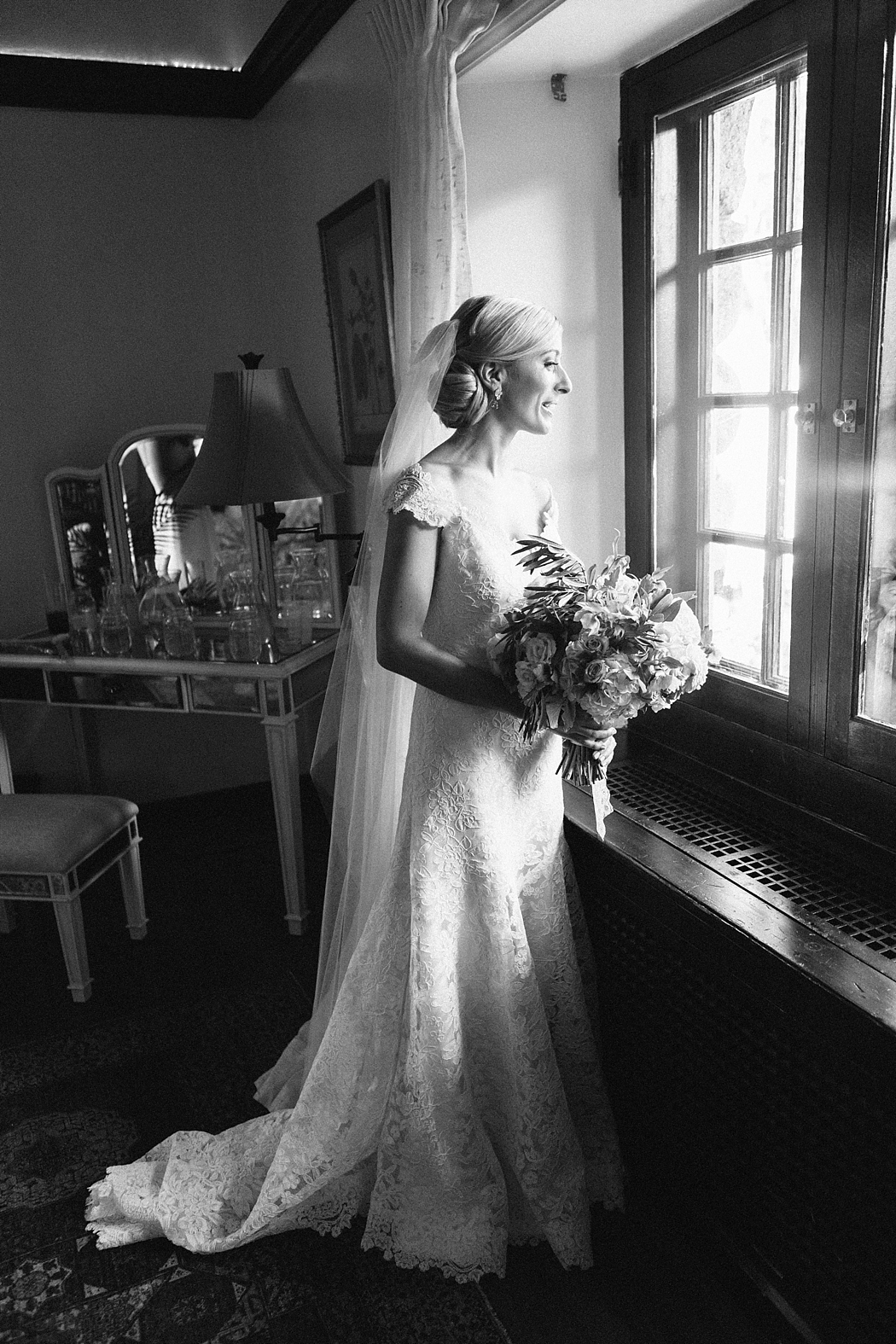 classic wedding photographer erin mcginn RI MA